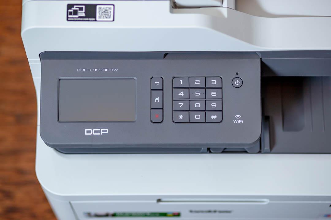 Brother L3550CDW színes LED nyomtató és szkenner színes érintőképernyője és kezelőfelülete