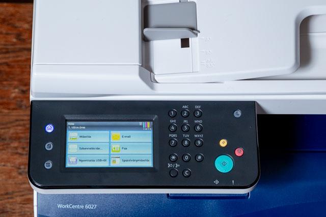 Xerox 6027 színes multifunkciós lézernyomtató – gombok és érintőképernyő